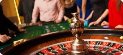 Roulette Tisch und Spieler